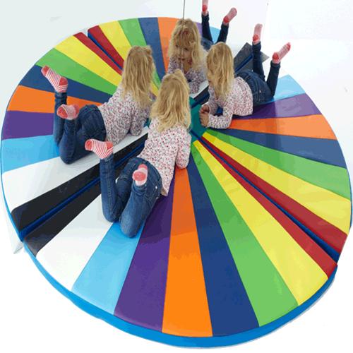 Renkli Köşe (120x120x10 Cm)