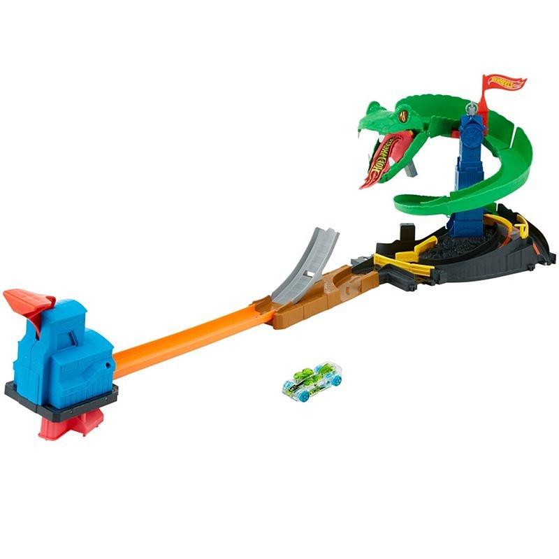 Hotwheels Yılan Geçidi Oyun Seti Fnb20